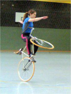 Kunstradfahren